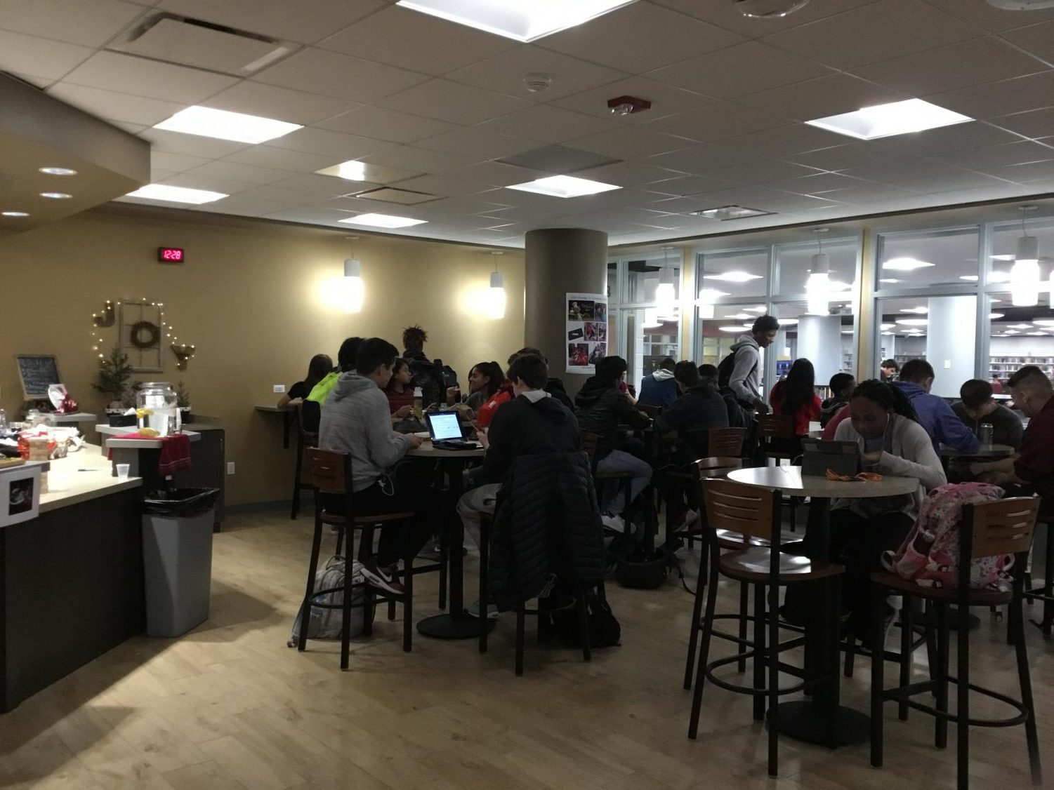 Students eat and socialize in Siegie's Corner.