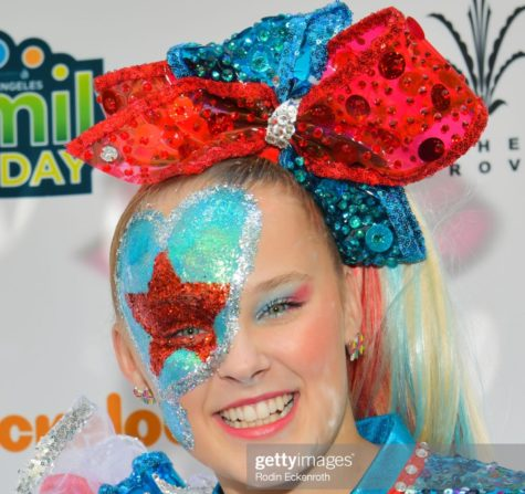 LOS ANGELES, CALIFORNIA - OCTOBER 05: JoJo Siwa attends T.J. Martell Foundation